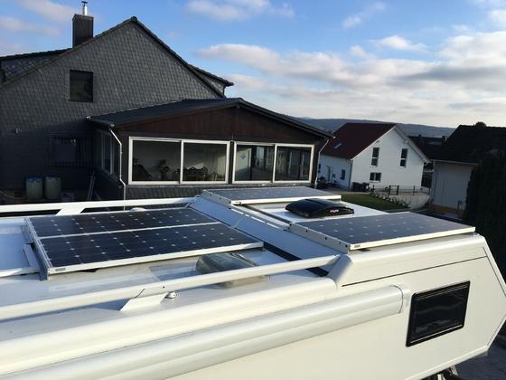 Blick Dach Solaranlage Alkoven A 7900 RSL